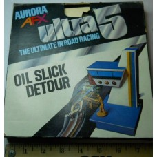 AFX No. 3102 Aurora Ultra 5 Oil Slick Detour