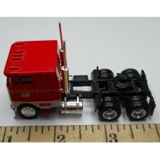 Herpa No. 0003 HO 1-87 Truck Freightliner Red and White Cab Teresi Black Chassis Standard