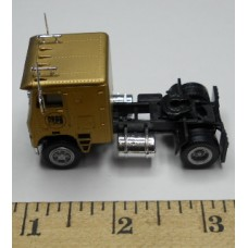 Herpa No. 0005 HO 1-87 Truck Freightliner Yellow with Brown Cab Black Chassis Standard