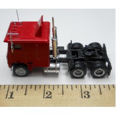 Herpa No. 0006 HO 1-87 Truck Freightliner Red Cab Black Chassis Standard