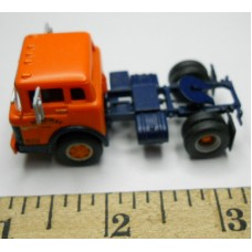 Herpa No. 0018 HO 1-87 Truck Ford Orange and Blue Cab Blue Chassis Roadway