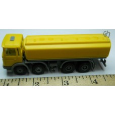 Herpa No. 0020 HO 1-87 Truck Gas Man Yellow and Silver